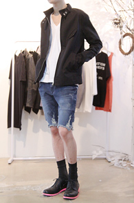Black Cotton Color Mix Blouson<br>�? �÷�, ��ư ����<br>�δ���� ����� ������ �����