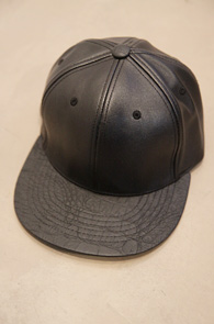 Black Basic Leather Color Snapback<BR>����ũ ��������, �������� ������<br>��������� ���۵� ���� ������