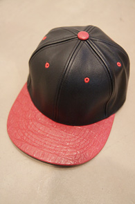Red Basic Leather Color Snapback<BR>����ũ ��������, �������� ������<br>��������� ���۵� ���� ������