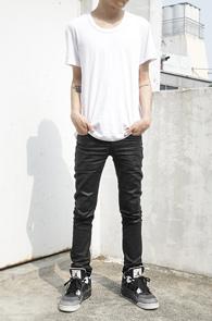 White Span U-Neck T-Shirts<br>ȭ��Ʈ�÷�, ���༺�ִ� ��ư����<br>����ϰ� ���� ��ũ������ ����Ƽ����
