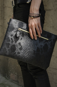 Black Fake Leather Phyton Clutch<br>�?�÷�, ����ũ��������<br>������ ������ �ڽ����� Ŭ��ġ