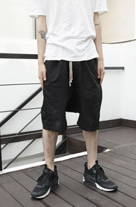 Black Baggy Cotton Pants<br>�?�÷�, ��ư����<br>����ũ�� �Ƿ翧�� �������
