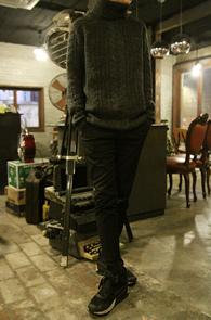Charcoal Cable Turtle Neck Knit<br>���ݱ��� �÷�, ��ũ�� Ž ���<br>����Ƽ�� �پ Ʈ����Ʈ ��Ʋ��