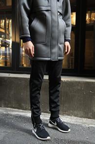 Black Neoprene Zip-up Jogger Pants<Br>�?�÷�, ����������<br>��� �������� ��������