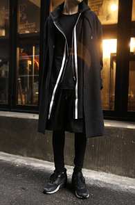 White Line Black Long Hood Zipup<br>�?�÷��� ��ư����<br>��� ������ �������� ���ĵ����