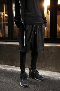 Black Fake Leather Wide Pants<br>����ũ ��������, �?�÷�<br>���뽺�� �Բ� �۵Ǵ� ��������