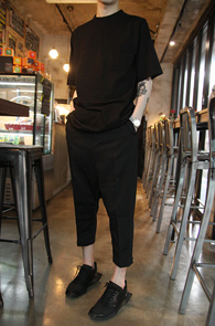 Black Cotton Over Fit T-Shirts<br>�?�÷�, ��ư����<br>�ڽ��� �Ͱ��� �� Ƽ����