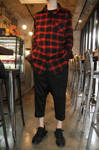 Side Chain Check Long Shirts Red<br>���̵�κ��� �� ������<br>üũ������ ������ �Ͱ��� �� ����