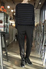 Unbalance Black Stripe T-Shirts<br>��ư����, �ڽ��� ������ �Ͱ�<br>�յ� ������ ���Ⱑ �ٸ� ��Ʈ������Ƽ