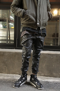 Black Coating Jogger Pants<br>�?�÷��� ���ð���� ���<br>����� ��밨�� ���� ��������