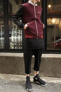 Burgundy Square Embo Jacket<br>�������� ���ǵ� �÷�, ��ư����<BR>�ٵ�κ��� ������ �ŷ����� �����