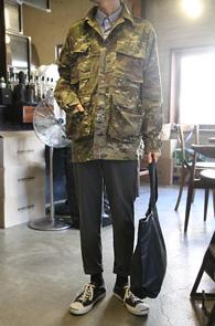 Overfit Camo Military Jacket<br>��ư����, ī���ö��� ����<br>�˳��� �Ͱ��� �и��� ����