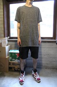 Grey Long Half T-Shirts<br>���� �÷��� ��ī�� ���<br>���� ���尨�� �⺻ Ƽ����