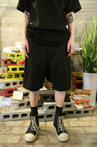 Black TR Crop Shorts <br>TR������ ũ�� ����<br>����� ������ Ʈ������ �Ƿ翧