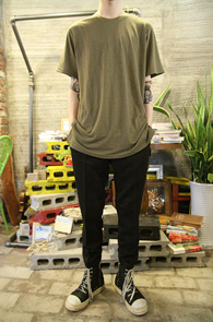 Khaki Long Half T-Shirts<br>īŰ �÷��� ��ī�� ���<br>���� ���尨�� �⺻ Ƽ����