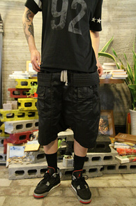 Black Coating Baggy Pants<br>���ð���� �? ��ư ����<br>����ũ�� ������ ���� �������