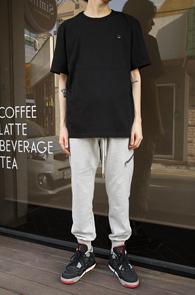 Smile Logo Patch T-shirts<br>�?�÷��� ��ư����<br>�ΰ���ġ�� ��Ʈ�ִ� �? Ƽ����