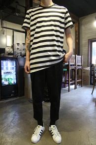 Unbalence Stripe T-shirts<br>��߶����� �ش� Ʈ�� Ƽ����<br>�⺻���� �ܰ��� ����