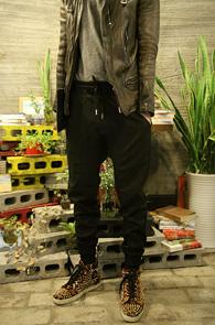 Neil Slim Jogger Training Pants<br>��� ������ ���� ��������<br>���̵��� ��� ������ ���� ��밨