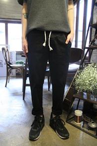 Black Cotton Baggy Pants<Br>�?�÷��� ��ư����<br>������� ��ư ��� ����