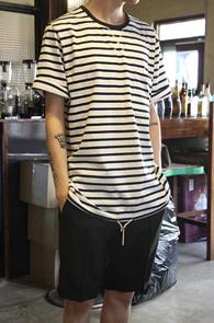 White String Stripe T-Shirts<br>ȭ��Ʈ ���̺� ������ ��ư����<br>��Ʈ�� �������� �ܰ��� Ƽ����