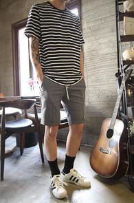 Navy String Stripe T-Shirts<br>���̺� ȭ��Ʈ ������ ��ư����<br>��Ʈ�� �������� �ܰ��� Ƽ����