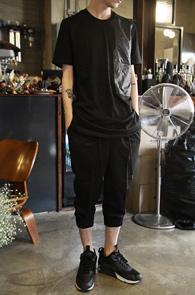 Black Pocket Point Long T-Shirts<Br>�?�÷��� ��ư����<br>��������Ʈ�� ��Ƽ����