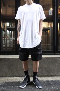 White Cutting Long T-Shirts<br>����� ��ư����, ȭ��Ʈ�÷�<br>���� �������� �����̴� Ƽ����