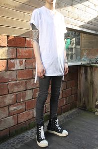 Henry neck long T-shirts white<br>��� �� Ƽ����<br>Ʈ������ ���尨�� ���� ��밨