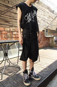 Printing Long Half Sleeveless Black<br>������ ������, ���� ���尨<br>ij����� �������� �� �����긮��