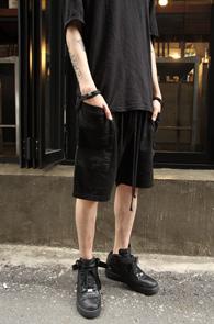 Black Color Cotton Half Pants<br>�?�÷�, ��ư����<br>����ũ�� �������� ��������