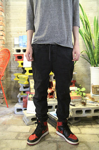 Black Denim Jogger Pants<br>�?�÷��� ���Լ���<br>�������� ���۵� ��������