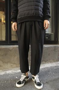 Black Wide Fit Wool Crop Pants<br>�?�÷��� ��������<br>���̵��� �Ͱ��� ũ������