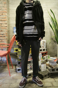 Basic Paul Hoody Black<br>�������� �ĵ� ž<br>��� ���·� ������ ��밨