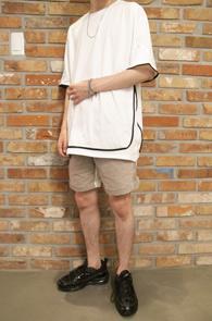 White Black Line T-Shitrs<br>ȭ��Ʈ�÷�, ��ư����<br>���� �������� �����̴� Ƽ����