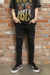 Black Skiny Zipper Pants<br>블랙컬러의 스키니한 핏감<br>지퍼디테일이 돋보이는 팬츠