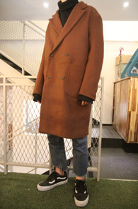 Camel Wool Double Coat<Br>카멜컬러의 울 소재<br>베이직한 디자인의 더블코트