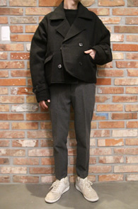 Double Crop Overfit Coat<br>더블 크롭 오버핏 코트<br>숏타입의 기장감과 오버핏한 실루엣