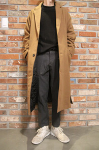 Beige Single Over Fit Coat<br>베이지컬러, 오버핏<br>사이드 트임 디테일의 싱글코트