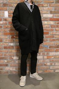 2 Color Long Knit Cardigan<Br>블랙과 그레이 두가지 컬러<br>롱한 기장감의 가디건