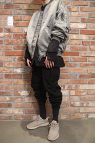 2 Color Nylon Pigment MA-1 Jacket<br>카키와 블랙 두가지 컬러<br>피그먼트 워싱의 항공점퍼