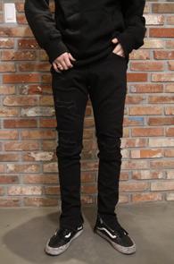 Black Zipper Detail Denim Pants<br>블랙컬러, 지퍼 디테일<br>슬림한 핏의 지퍼 데님 팬츠