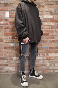 Black Basic Soft Hoodie<br>블랙컬러, 소프트한 느낌의 얇은 소재<br>레이어드 하기 좋은 후드티