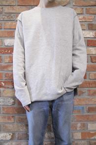 Grey Reversible Over Fit T-Shits<Br>그레이컬러의 리버시블 디자인<br>특유의 디테일이 돋보이는 티셔츠