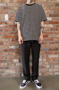 Stripe Over Fit T-Shirts<Br>스트라이프 패턴, 박시한 핏감<br>베이직한 디자인의 기본 티셔츠