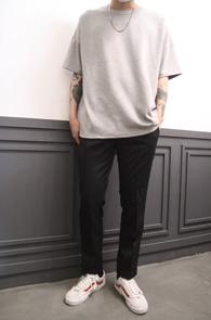 2 Color Over Fit Basic T-Shirts<br>그레이와 블랙 두가지 컬러<br>박시한 핏감의 기본 티셔츠
