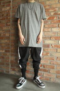 3 Color Basic T-Shirts<br>블랙과 그레이,화이트 세가지 컬러<br>어디에나 매치할수 있는 이너티