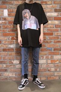 Black Overfit Printing T-Shirts<Br>박시한 핏감의 프린팅<br>트레비스 스캇 프린팅의 티셔츠
