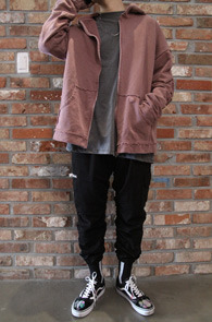 Pink Vintage Hood Zip-up<br>빈티지한 워싱된 핑크컬러<br>스트릿한 느낌의 후드티셔츠