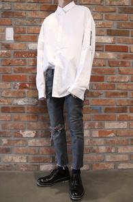 White Over Fit MA-1 Shirts<br>화이트컬러, 박시한 핏감<br>항공점퍼 디테일의 기본 셔츠